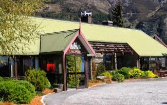 Lake Hawea Hotel accommodation 7